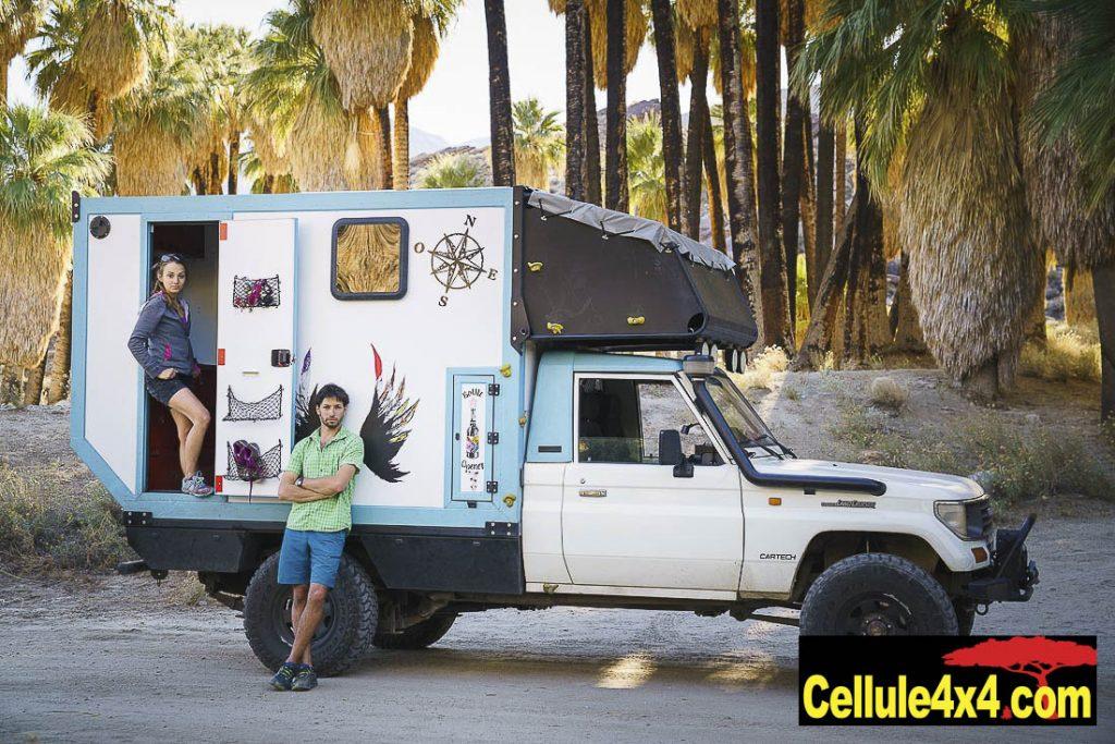 Alexandre et Mathilde de chez Cartech avec leur Toyota et leur cellule lors de leur voyage