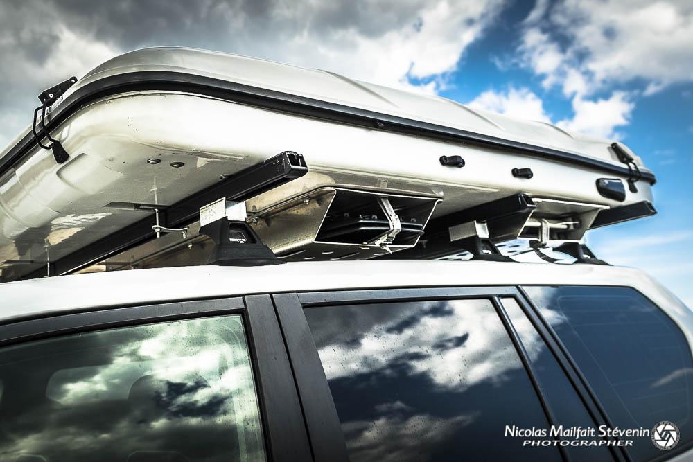 Pour installer votre tente de toit, l'idéal est de mettre 3 barres de toit