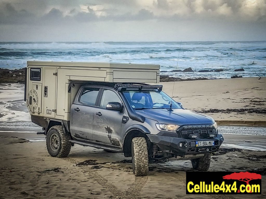 Cellule Globe 360 Doka sur Ford Ranger pick up double cabine