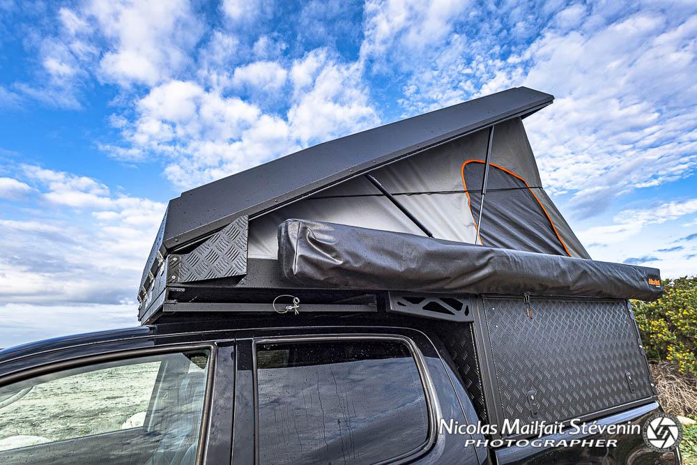 Le toit relevable  relevé en position couchage