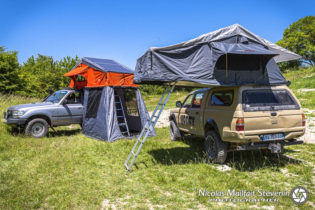 Deux générations de tentes de toit