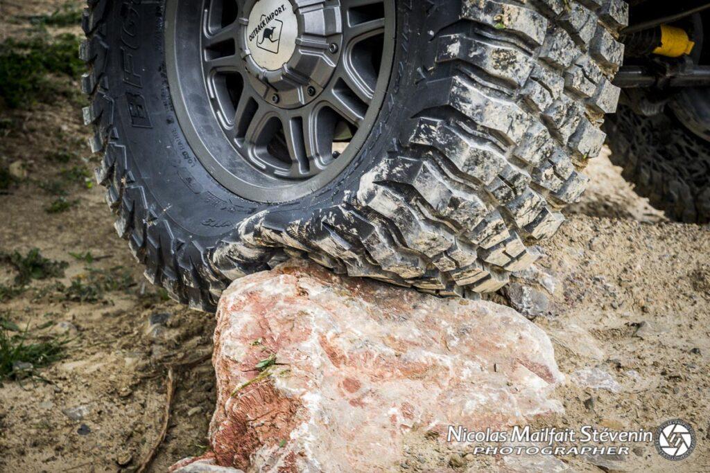 Choisir un pneu tout terrain pour son 4x4, c'est un peu la base de l'équipement off road