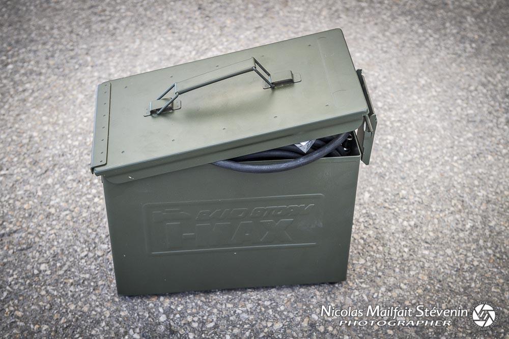 compresseur tmax dans une caisse à munition