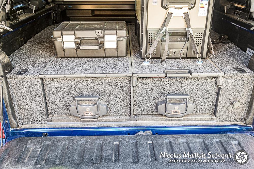 ARB Slide Kitchen est évidemment compatible avec les tiroirs standards. Vous pouvez même le remplacer suivant vos besoin par un tiroir normal et le remettre quand vous partez en bivouac