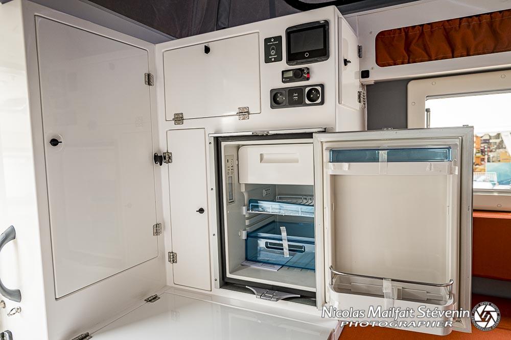 un frigo de 45 l à compresseur dans Lababouch