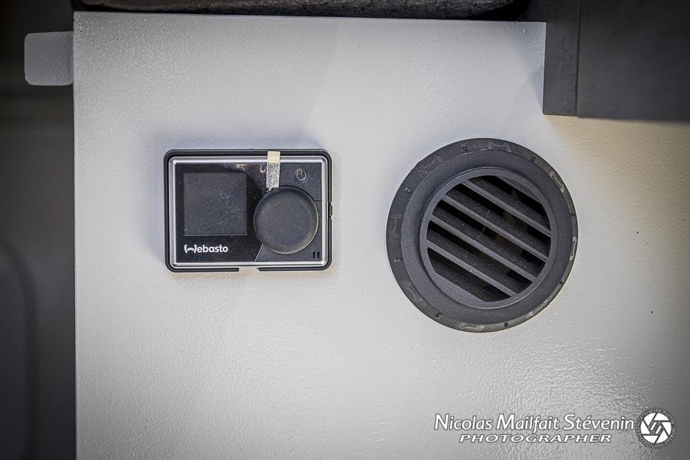 panneau de commande du chauffage webasto dans la cellule